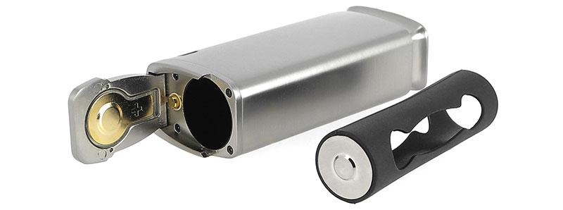 Le compartiment à accu et son adaptateur de la box Detonator par Squid Industries