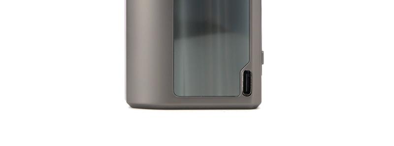 Le port micro-USB-C du pod Obelisk 60 par Geek Vape