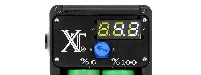 L'écran digital et le potentiomètre de la box Surric XT SE par Surric Vapes
