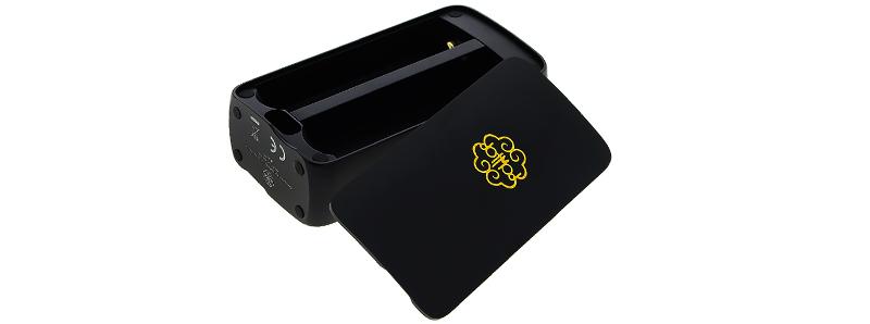 L'emplacement double accus 18650 et le port USB-C de la New dotBox 220W par dotMod